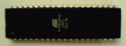 Mikrocontroller ATmega32 der Firma Atmel.