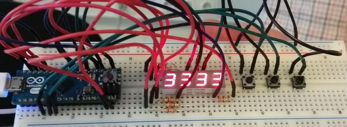Hardware zur Ansteuerung der 4fach 7-Segmentanzeige mit einem Arduino-Micro.