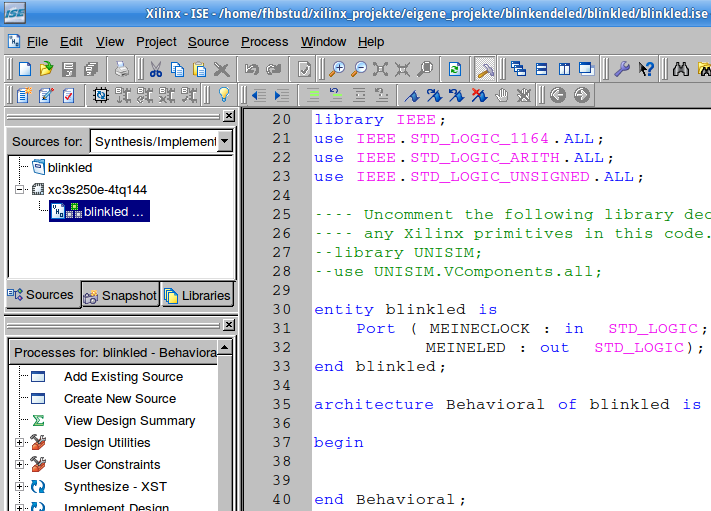 Im Projekt-Browser: Sicht auf das automatisch erstellte Gerüst der Quelltextdatei samt automatisch eingefügter Libraries.