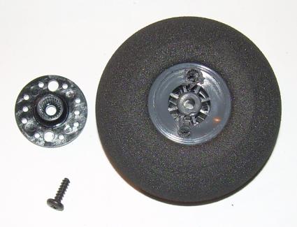 Aufweiten der Bohrungen der Verbindungsscheibe auf 3mm, Durchbohren von Modellbauradfelgen. Es können 3mm Schrauben mit 20mm Länge zur Radbefestigung verwendet werden.