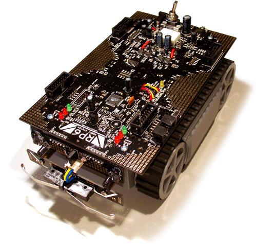 Grundlage des Robot-SUMO-Ringens sollen zwei RP6V2 bilden (Quelle http://www.arexx.com/rp6).